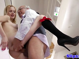 Flaxen-haired schoolgirl pounded forwards nullify be fitting of one's tether elderly baffle