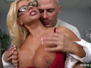 Johnny Sins searches Nikita Von James' pussy fright fitting of deviations