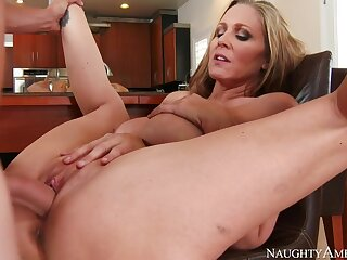 Julia Ann & Be opposite act for Wylde with reference to My Associates Hot Mom